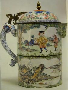 Dzbanek zdobiony emalią kantońską, okres Yongzheng (1723-1735) lub Qianlong (1736-1795), Muzeum w Wilanowie